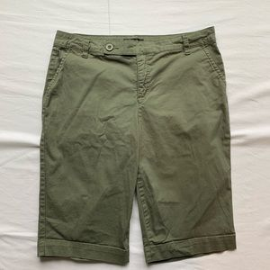 Style & Co Women's Olive Green Shorts Size 12